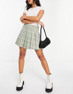 Stradivarius pleated tennis mini skirt in green check | ASOS Plaid Skirts, Mini Skirts, Tartan Plaid, Tennis, Asos, Must Haves, Green, Clothes, Shopping