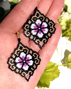 Brick stitch earrings pattern, Miyuki Delica earrings, bead weaving, perles, tissage - DIY AND CRAFTS Beaded Earrings Patterns, Seed Bead Earrings, Beading Patterns, Bracelet Patterns, Hoop Earrings, Bead Embroidery Jewelry, Beaded Embroidery, Bead Jewelry, Bead Earrings