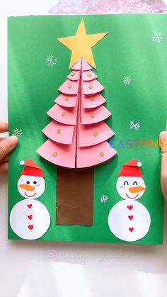 Christmas Ornament Crafts, Christmas Crafts For Kids, Christmas Projects, Holiday Crafts, Christmas Diy, Fun Arts And Crafts, Paper Crafts For Kids, Creative Crafts, Diy Crafts