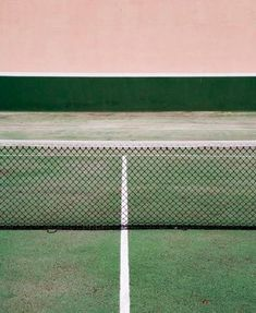 Tennis court by Andreu Robusté. Vert et rose * Green and Pink Photocollage, Foto Art, Color Stories, Textures Patterns, Color Inspiration, Creative Inspiration, Pink And Green, Pale Pink, Art Photography