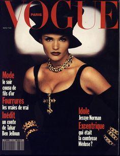 Helena Christensen en couverture du numéro de novembre 1992 de Vogue Paris http://preview.vogue.fr/thevoguelist/helena-christensen/73