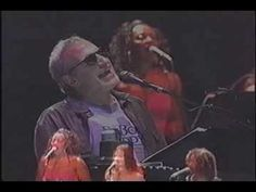 Steely Dan plays Aja live;  when all my dime dancin' is through, I run to you (Anna Justine)