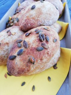 Grove rundstykker! – H J E M M E L A G A Pancakes, Cookies, Baking, Breakfast, Food, Crack Crackers, Morning Coffee, Biscuits, Bakken