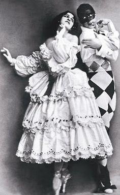 Mikhail Fokine & Vera Fokina in Carnaval  music by Robert Schumann, choregraphy by Mikhail Fokine, design by Léon Bakst, ca. 1910.