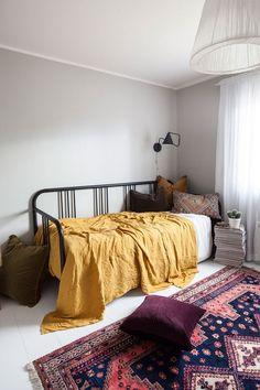 Best Small Guest Bedroom – My Life Spot Luxury Interior Design, Interior Exterior, Decor Room, Bedroom Decor, Daybed Room, Ideas Habitaciones, Guest Room Office, Guest Rooms, Home Decor Trends