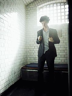 Benedict Cumberbatch as drunk Sherlock Drunk Sherlock, Sherlock Holmes Bbc, Sherlock Holmes Benedict Cumberbatch, Sherlock Fandom, Benedict Cumberbatch Sherlock, Sherlock John, Martin Freeman, Mrs Hudson, Sherlolly