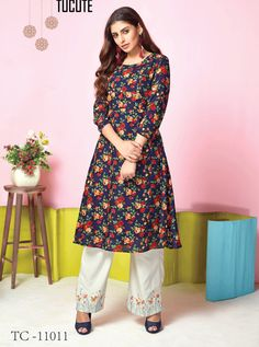 Wholesale Muslin Printed Stylish Event Wear Kurti With Bottom Collection.Renovate your boutique collection by adding this kurtis from the popular wholsale brand. Salwar Suits Pakistani, Patiala, Salwar Suits Simple, Salwar Suits Party Wear, Western Suits, Suit Shop, Blue Fabric, Cotton Silk, Suits For Women