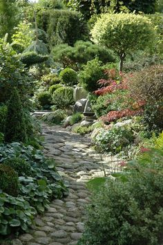 Beautiful Stone Path - this would be my ideal shade garden! Landscape Design, Garden Design, House Landscape, Garden Cottage, Garden Living, Exterior, Shade Garden, Backyard Landscaping, Landscaping Ideas