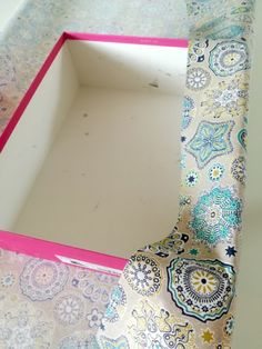 How to make a fabric storage box? – My Totem Coin Couture, Couture Sewing, Fabric Storage Boxes, Craft Storage, Creative Box, Homemade Christmas Gifts, Diy Home Crafts, Crafty Craft, Diy Paper