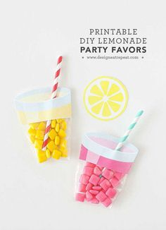 Printable DIY Lemonade Party Favor-What adorable party favors! Learn how to make these easy lemonade party favors using a few simple materials! Find the free printable label & supply list at Design Eat Repeat! Kid Party Favors, Party Gifts, Printable Labels, Party Printables, Free Printables, Diy Party Dekoration, Pink Lemonade Party, Anniversaire Harry Potter, Bachelorette Party Themes