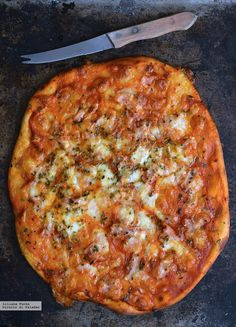 Pizza con dos ingredientes Lunch Recipes, Breakfast Recipes, Dinner Recipes, Stromboli Recipe, Calzone, Tasty, Yummy Food, Middle Eastern Recipes, Empanadas