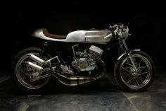Welcome to Cafe Racer Design! We focus solely on showcasing the design of Cafe Racer Motorcycles. Cafe Racer is a term used for a type of motorcycle and the cyclists who ride them! Cafe Bike, Cafe Racer Bikes, Cafe Racer Motorcycle, Motorcycle Outfit, Cafe Racers, Classic Motorcycle, Motorcycle Parts, Motorcycle Helmets, Vintage Bikes