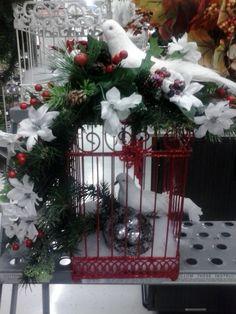 Christmas 2014 Julie (1162) Christmas Planters, Christmas Bird, Christmas Table Decorations, Christmas Scenes, Outdoor Christmas, Rustic Christmas, Christmas Holidays, Christmas Wreaths, Christmas Ornaments