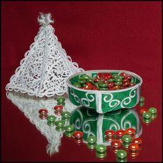 All About Christmas Design Ideas Polar Bear Christmas, Christmas Kitten, Christmas Rose, Christmas Design, All Things Christmas, Merry Christmas, Christmas Tree Candy Dish, Large Christmas Tree, Christmas Labels