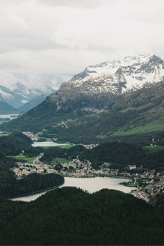 Muottas Muragl - Check more photos in our blogpost about the Engadin St. Moritz! Travel & Photography - All the Places you will go