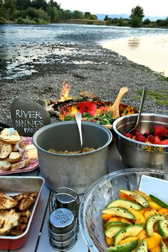 Find a space in the outdoors and create your own River Dinner Party with good friends and family! What To Bring Camping, Lake Party, Camping Parties, Adult Camping Party, Camping Checklist, Al Fresco Dining, Camping Activities, Green Life, Lake Life