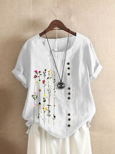 Fashionable Floral Printed O-neck Short Sleeve Button T-shirt Online - NewChic Mobile Plus Size Women's Tops, Plus Size T Shirts, Plus Size Blouses, Top Retro, Blouses For Women, T Shirts For Women, Ladies Blouses, Themed Outfits, Plus Size Summer