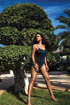 9512749c0 34 melhores imagens de Rihanna bikini