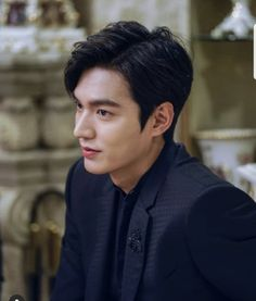 Find images and videos about lee min ho, leeminho and legend of blue sea on We Heart It - the app to get lost in what you love. Asian Actors, Korean Actors, Legend Of Blue Sea, Legend Of The Blue Sea Lee Min Ho, Lee Min Ho Legend Of The Blue Sea Wallpaper, Jun Matsumoto, Lee Min Ho Kdrama, Lee Min Ho Photos, Oppa Gangnam Style