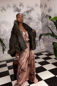 Johanna Ortiz Fall 2018 Ready-to-Wear Fashion Show Autumn Fashion 2018, All Fashion, Runway Fashion, Fashion Show, Fashion Design, Fashion Women, Meghan Markle Style, Olivia Palermo Style, Celebrity Red Carpet