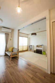 Japanese Home Design, Japanese Home Decor, Japanese House, Room Interior, Home Interior Design, Tatami Room, Garage Remodel, Multipurpose Room, Contemporary Interior