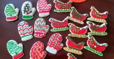 Sugar Cookie Icing Sugar Cookie Icing, Cookie Frosting, Sugar Cookies, Icing Recipe, Frosting Recipes, Frosting Tips, Holiday Baking, Christmas Baking, Biscuits