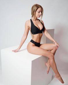 Yanita-Yancheva-Feet-3053188.jpg (768×960)