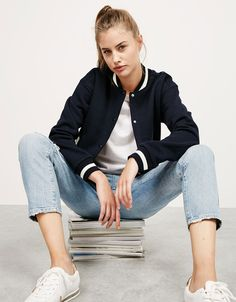 BSK stripes and contrasting plush, ribbed bomber jacket. Discover this and many more items in Bershka with new products every week Moda Outfits, Girl Outfits, Fashion Outfits, Cute Casual Outfits, Simple Outfits, Cold Weather Outfits, Winter Outfits, Korean Fashion Casual, Cute Jackets