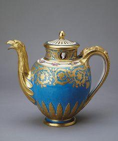 Sèvres Hand Decorated Porcelain Tea Pot from the Cameo Service, 1777 Japanese Porcelain, Fine Porcelain, Tea Cup Saucer, Tea Cups, Cute Teapot, Japan Painting, Hermitage Museum, Chocolate Pots, Jewellery Storage