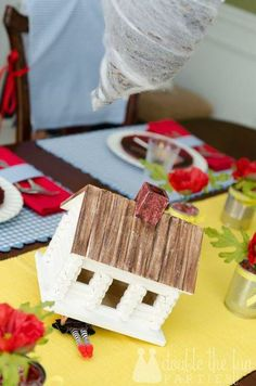 What a fantastic Wizard of Oz party!  See more party ideas at CatchMyParty.com!