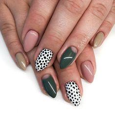 Trendy Nail Art, Stylish Nails, Vogue Nails, Nail Prices, Polka Dot Nails, Dot Nail Art, Fall Acrylic Nails, Fall Gel Nails, Shellac Nails