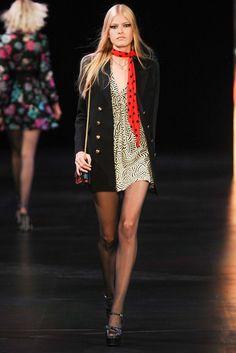 Saint Laurent Spring 2015 Ready-to-Wear Fashion Show - Louise Parker