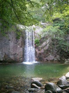 Chunjiyun Fall, Jeju Island