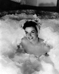 Jane Russell BUBBLES bath