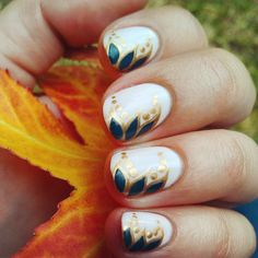 So pretty! >> NOTD: Art Deco #Autumn Leaves #nailart
