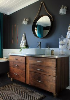 Decor Trend: Round mirrors in bathrooms // Tendencias: espejos redondos en baños // Casa Haus