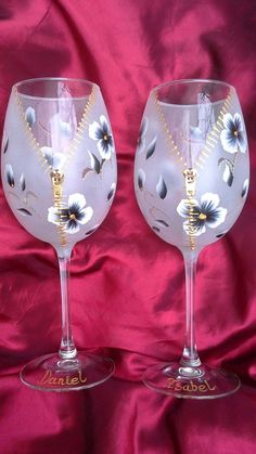 Hand painted  wine glasses,  zipper effect. handpainted  goblets.