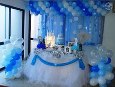 Decoração Frozen Aniversário Frozen Themed Birthday Party, Elsa Birthday, Frozen Party, Birthday Balloons, Birthday Parties, Frozen Decorations, Balloon Decorations, Birthday Party Decorations, Baby Shower Decorations