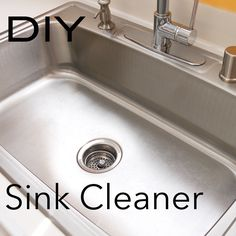 How to clean your kitchen sink and make it shine! Start by scrubbing the sink with baking soda and a soft sponge. Rinse the sink with vinegar and watch it foam. Then rinse with fresh water. Rub the newly cleaned sink down with the rind of a lemon or oran Deep Cleaning Tips, House Cleaning Tips, Natural Cleaning Products, Cleaning Solutions, Spring Cleaning, Cleaning Hacks, Diy Hacks, Cleaning Vinegar, Natural Products