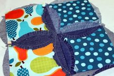 Tutorial for make the Accuquilt Rag Circle 6 1/2″ die.  Denim and prints are used for these.