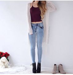 Image discovered by Mariiana García. Find images and videos about girl, fashion and outfit on We Heart It - the app to get lost in what you love. Teen Fashion Outfits, Look Fashion, Outfits For Teens, Korean Fashion, Womens Fashion, Fashion Black, Fashion Ideas, Cute Casual Outfits, Pretty Outfits