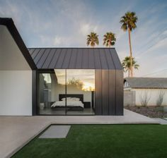 Chen + Suchart creates a gabled addition clad in metal for an historic Arizona…