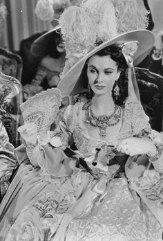 Gods and Foolish Grandeur: Vivien Leigh as Lady Hamilton, costumes by René Hube. - Gods and Foolish Grandeur: Vivien Leigh as Lady Hamilton, costumes by René Hubert, 1941 - Classic Actresses, British Actresses, Hollywood Actresses, Beautiful Actresses, Actors & Actresses, Old Hollywood Glamour, Golden Age Of Hollywood, Vintage Hollywood, Classic Hollywood