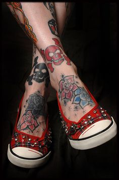 I would love something right where those skulls are. Too bad I don't have skinny little legs. Or ankles.