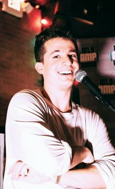 That smile 😍😍😍 Charlie Puth, Dear Future Husband, Future Boyfriend, Cute Celebrities, Celebs, Old Video, My People, Shawn Mendes, Celebrity Crush