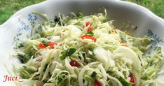 Jamie Oliver, Cabbage, Spaghetti, Vegetables, Ethnic Recipes, Food, Hungarian Recipes, Essen, Cabbages