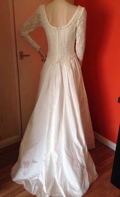 VINTAGE NUPTIAL PARIS DUCHESS PRINCESS IVORY FRENCH LACE CLASSIC WEDDING DRESS