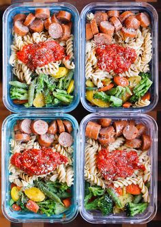 Healthy Meals Chicken Sausage Pasta Meal Prep Bowls are a super quick and easy gluten-free meal prep solution! - Chicken Sausage Pasta Meal Prep Bowls are a super quick and easy gluten-free meal prep solution! Healthy Drinks, Healthy Snacks, Healthy Eating, Healthy Recipes, Breakfast Healthy, Breakfast Ideas, Nutrition Drinks, Fast Recipes, Protein Rich Recipes