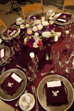 Rich burgundy and silver wedding tablescape. ~~~ With Gold instead of silver. and no orchid on napkin