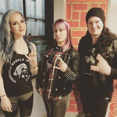 Had an amazing evening meeting the enchanting Canadian @alissawhitegluz and calm thoughtful Swede @michael_amott from @archenemyofficial tonight.  Got to meet some bad ass photographers @maentglobal enjoy @whileshesleeps set with @josemangin - chill style and get home & have a beer before midnight.  Too much gratitude for one night. My heart is full! . . . . . . . . . . #archenemy #willtopower #veganAF #vegan #metalShow #theWiltern #losAngeles #swedishMetal #virtuoso #fashion…